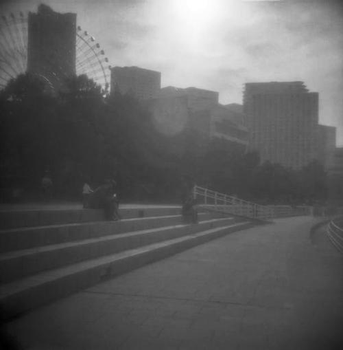 モノクロ横浜 公園 風景_convert_20100523233304
