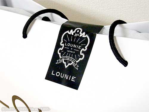 LOUNIE(ルーニィ)通販:LOUNIE(ルーニィ)2011年春夏物:2011春夏お買い物まとめメモ★「めざましテレビ」MOTTOいまドキ!でも紹介された、ルーニィカタログ掲載ケープパーカー、ネックレス、2011春ルーニィ展示会でひとめぼれのデニムスカート、ノベルティはカードケースをいただきました!