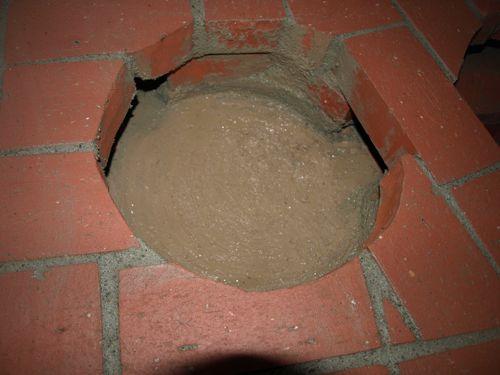10左側の底は粘土
