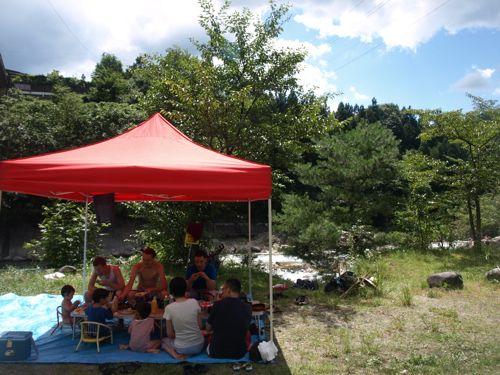 5テントで昼食