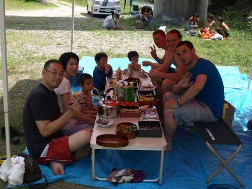 7テント昼食2