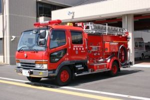 3消防車ええっ
