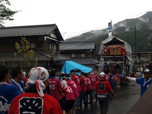 5雨の秋祭り2