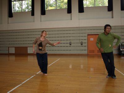 踊るキラとあすか