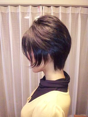 Kana髪切る