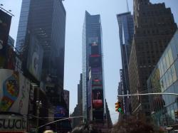入れ歯が飛ぶ街ニューヨーク