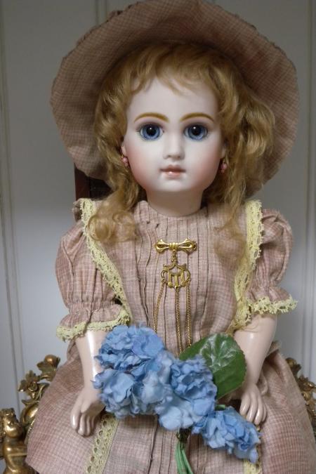 present doll2