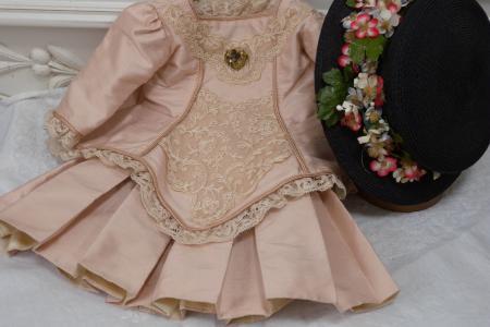 b BRU dress