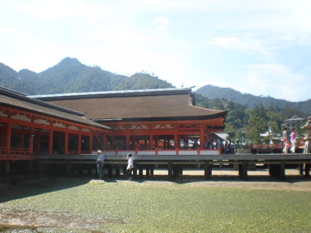 神社の下4