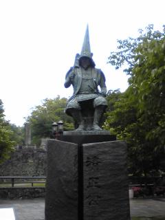 熊本城前清正像