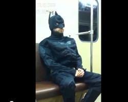 Бэтмен в московском метро