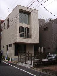 コンパクトサイズのお家ですが、中々素敵です