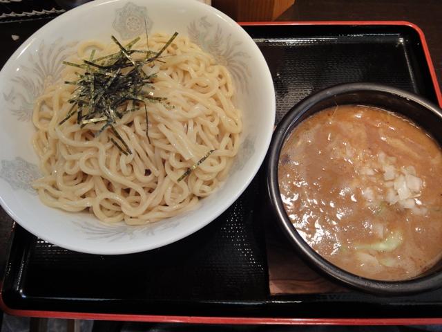 丸和味噌つけ麺