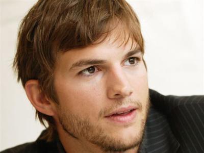 Ashton-Kutcher-pic1_convert_20111020073239.jpg