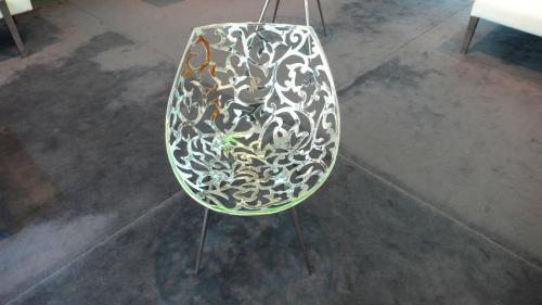 唐草の椅子