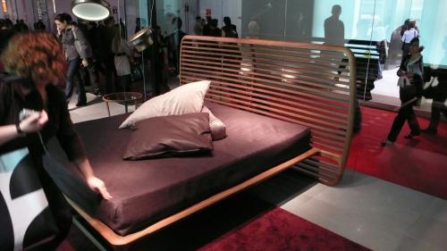 迫力ベッド
