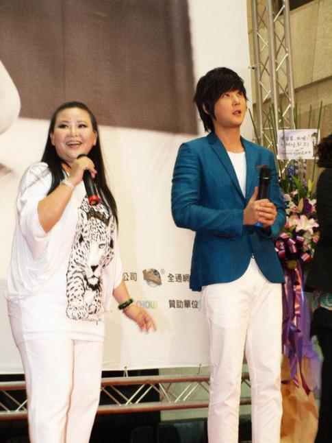 Hyesung-20100725TaiwanFM記者会見_02