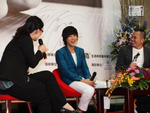 Hyesung-20100725TaiwanFM記者会見_010