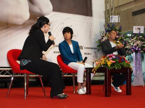 Hyesung-20100725TaiwanFM記者会見_012