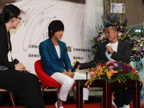 Hyesung-20100725TaiwanFM記者会見_023