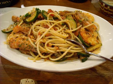赤エビとズッキーニのスパゲッティ