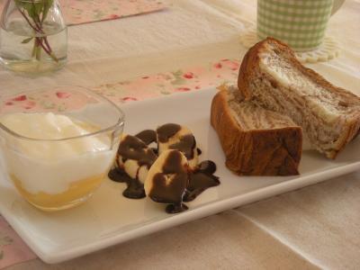 ローソンのパンで朝ごはん2_convert_20090917110729