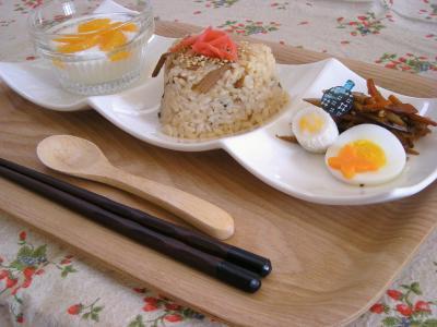 お弁当の残りで朝ごはん2_convert_20091007100925