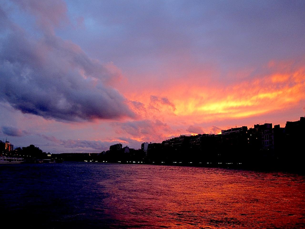 とても赤い夕日