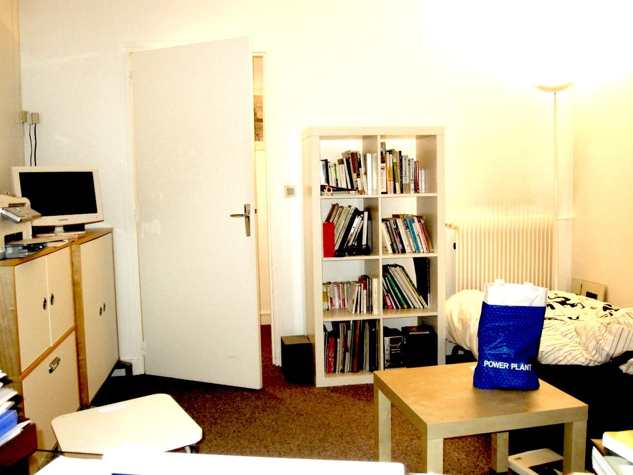 pastroom1.jpg