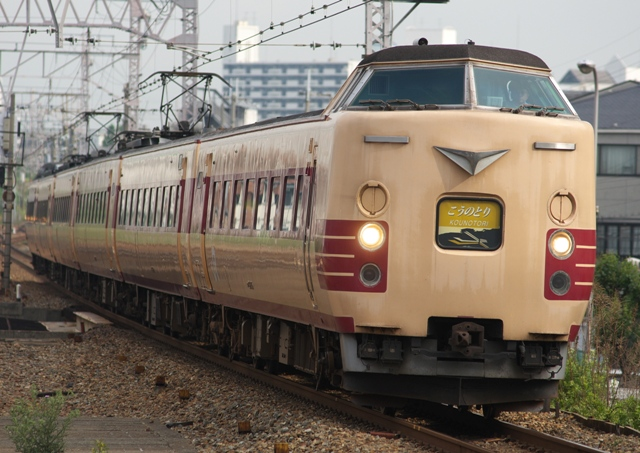 110521-JR-W-381-kounotori-1.jpg