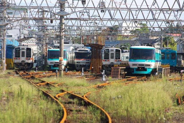 110927-JR-W-T-shingu-shako.jpg