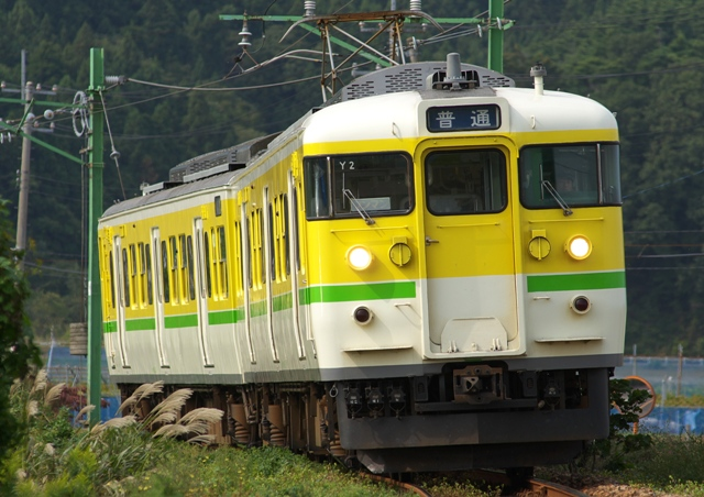 111011-JR-E-115-Y2-yahiko-1.jpg