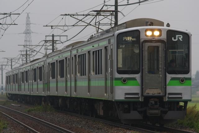 111011-JR-E-E127-6cars-1.jpg