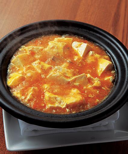「上海ガニと豆腐の土鍋煮」