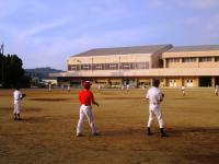 2011.5.24 大生院院中学校でのマンダリンパイレーツの野球教室1