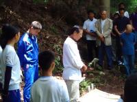 2011.8.8 朝鮮人慰霊祭で挨拶する石川県議
