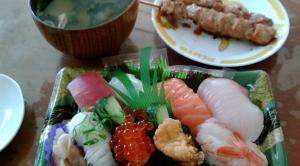 お昼の寿司