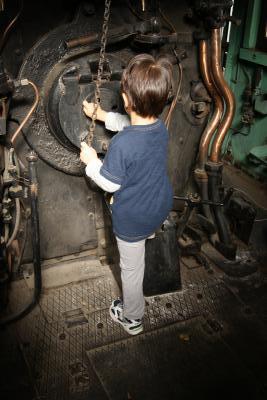 公園の蒸気機関車1