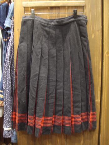 PENDLETON 黒×赤スカート