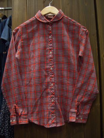 丸襟チェックシャツ