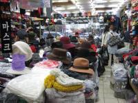 平和市場の帽子の店