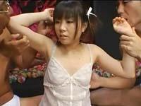 【無修正】童顔、貧乳の女の子と3Pでサンドイッチファック!