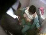 【盗撮】トイレのお掃除おばさんとセックスしている盗撮映像の一部始終!
