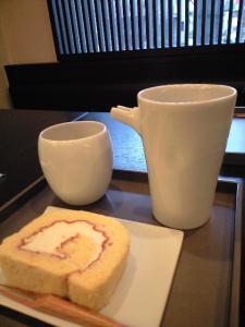 こづちロールと棒茶と眺め