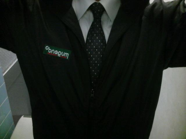 スーツにムゲジャンです