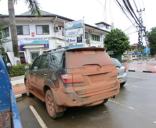 1-Laos car 03