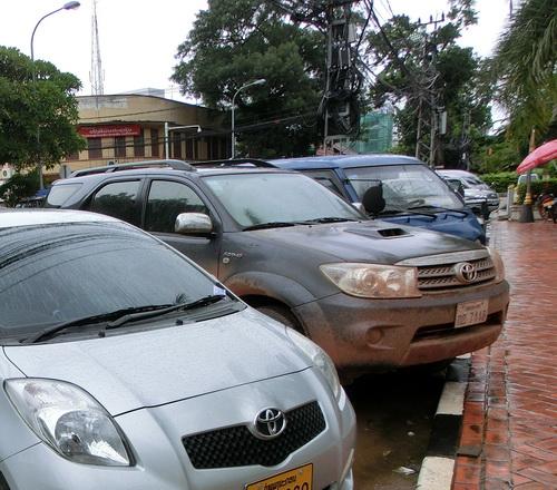 1-Laos car 04