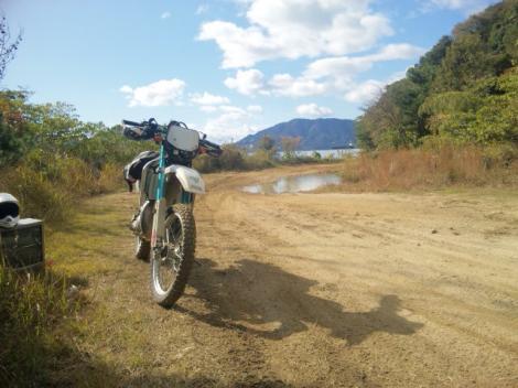 DT オフロードバイクで練習走行