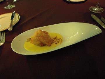 フランス産フレッシュフォアグラと三河湾アナゴのベニエ こがしとうもろこしピューレと一緒に
