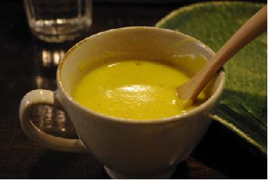 朝採り南瓜ともちきびのスープ